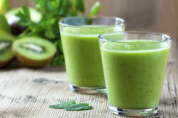 jus vert avec l'omega VJS